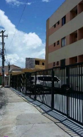 Itapuã apto 2/4 suíte varanda