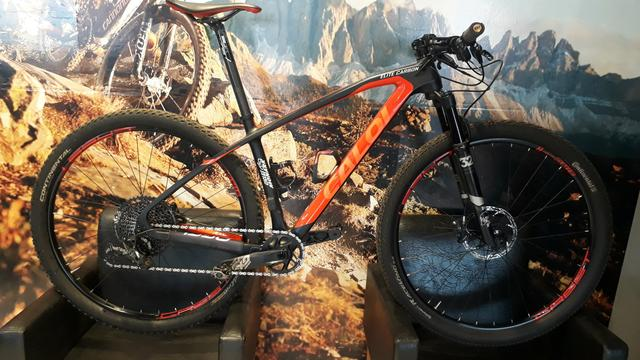 Caloi elite carbon racing 2019