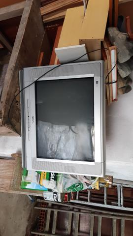 Vendo 2 Televisão