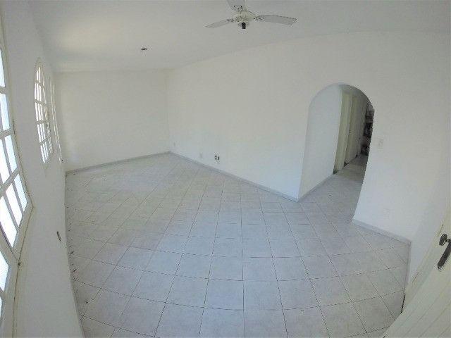Alugo Casa Comercial em Jardim Camburi com 240m² e 4 vagas - R$ 8.000,00 - Foto 5