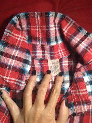 Blusa Quadriculada P TECIDO GROSSO - Foto 2