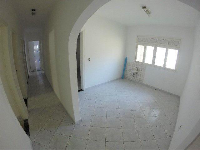 Alugo Casa Comercial em Jardim Camburi com 240m² e 4 vagas - R$ 8.000,00 - Foto 6