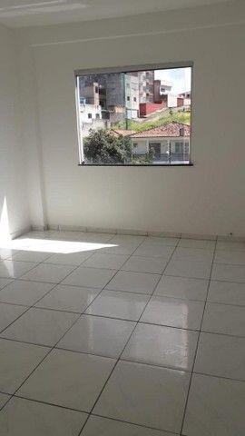 Alugo apartamento amplo no bairro Santo Antônio - Foto 3