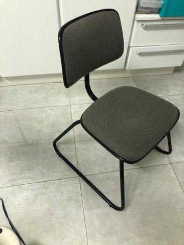 Cadeira fixa sem braço  - Foto 2