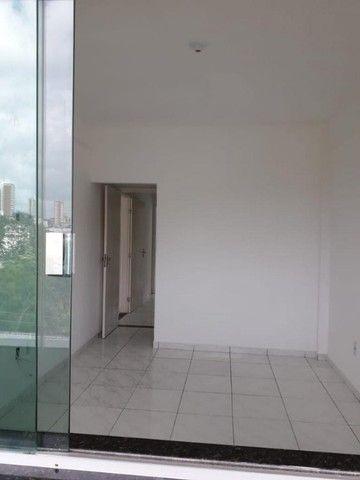 Alugo apartamento amplo no bairro Santo Antônio - Foto 6