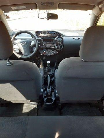 Toyota Etios hatch x 1.3 Flex 2014 - Foto 3