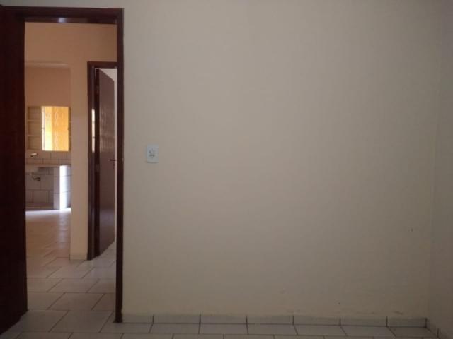 Casa em modelo de condomínio no Balneário Meia Ponte, 2 quartos, garagem próximo a comérci - Foto 2