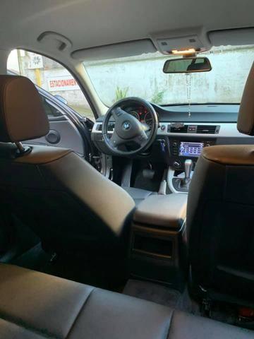 BMW 318i 2011-2012 - Foto 3
