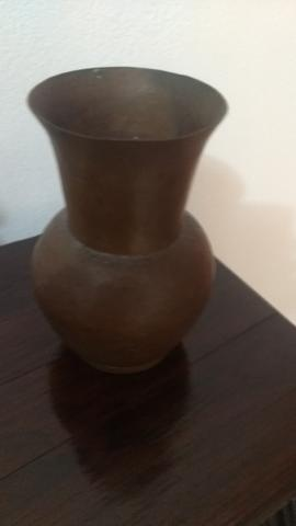 Lindo jarro antigo de cobre medindo 13cm de altura