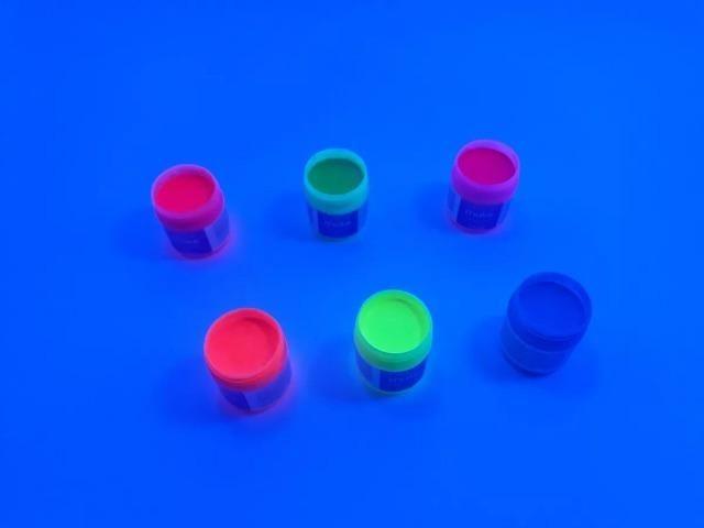 Tinta Líquida Corporal Fluorescente Neon - Brilha com luz negra - leia a descrição - Foto 2