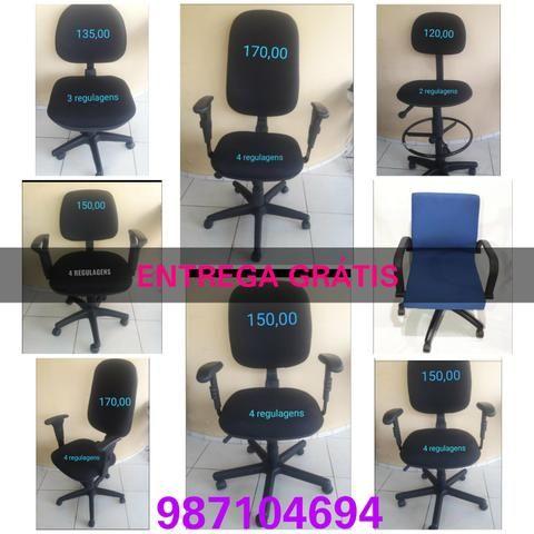 Cadeiras estofadas de escritório