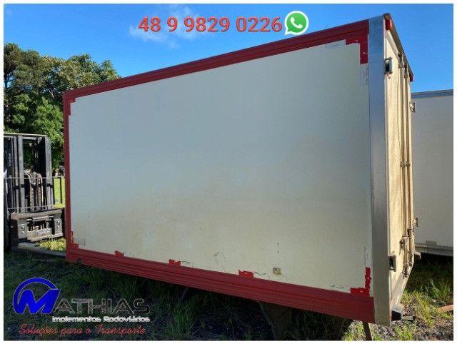 Bau termico 3,65m 2 portas traseira, 1 porta lateral, piso de fibra, Mathias Implementos