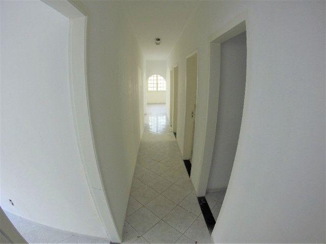 Alugo Casa Comercial em Jardim Camburi com 240m² e 4 vagas - R$ 8.000,00 - Foto 13