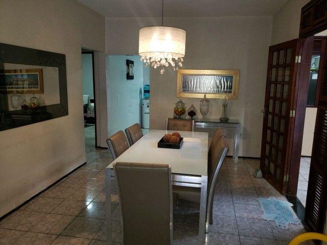 Casa com 4 suítes e garagem para 4 carros no Henrique Jorge  - Foto 4