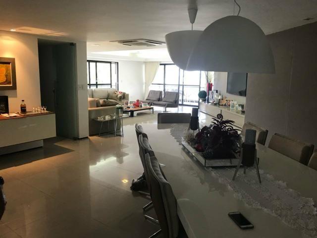 Apartamento Beira Mar 240m2 com 4 suítes na Ponta Verde - Foto 2