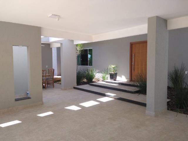 Allmeida vende casa de alto padrão no Condomínio Mansões Entre Lagos - Foto 4