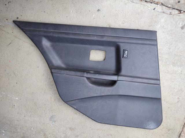 Forro porta BMW E36 sedan traseiro esquerdo