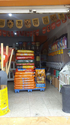 Vende ou troca por carro loja agropecuaria - Foto 2