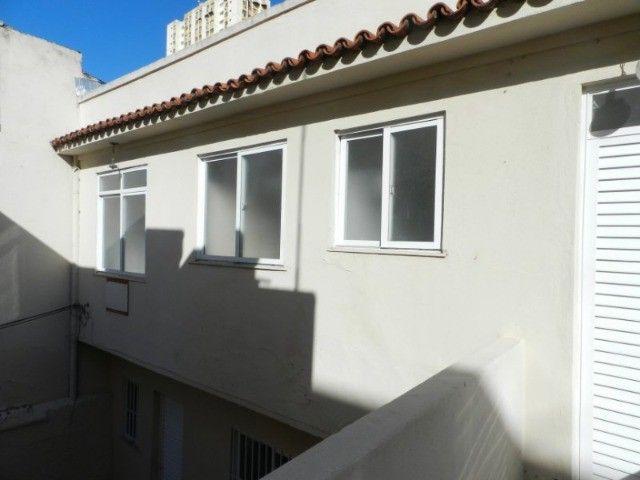 Aluguel sobrado fundos reformado 40 m² 1 quarto, Bairro de Fátima, Niterói. - Foto 2