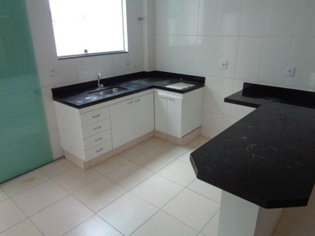 Apartamento com 2 quartos, 60 m², aluguel por R$ 900/mês - Foto 5
