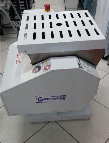 Amassadeira basculante semi rapida Gastromaq 25kg MBI-25 (nova) Alecs