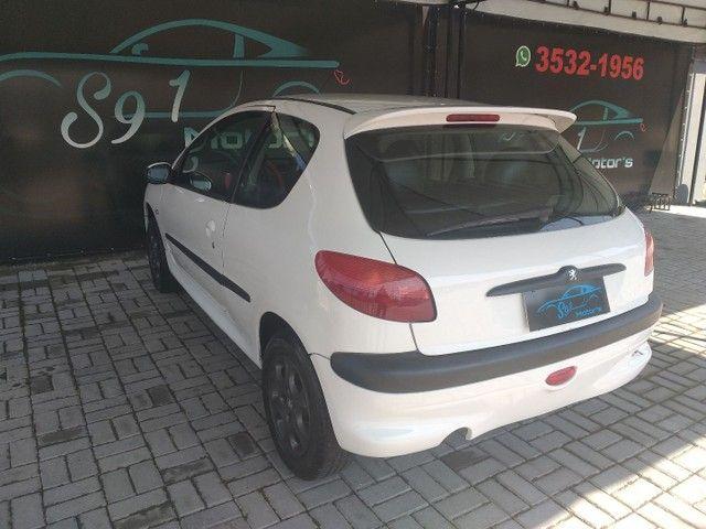 Vendo Peugeot 206 ano 2000 valor 7.990 - Foto 2