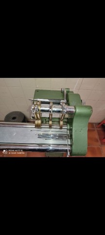 Máquina industrial para cortar viés 4 facas - Foto 3