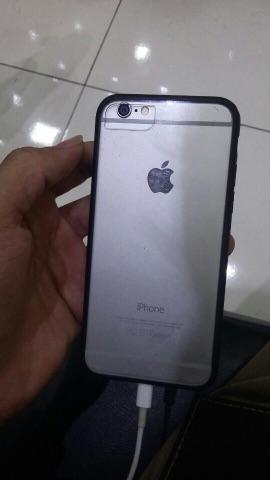 IPhone semi novo