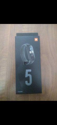 Relógio Inteligente smartwatch Xioami Mi Band 5 - Foto 3