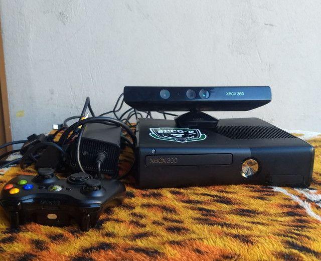 XBOX 360 DESBLOQUEADO COM 1 CONTROLE  1 KINECT  - Foto 3