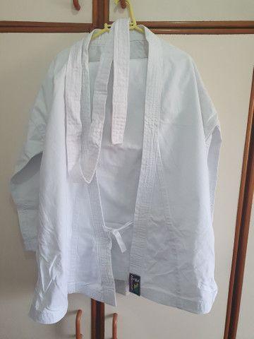 Kimono de caratê em brim novo