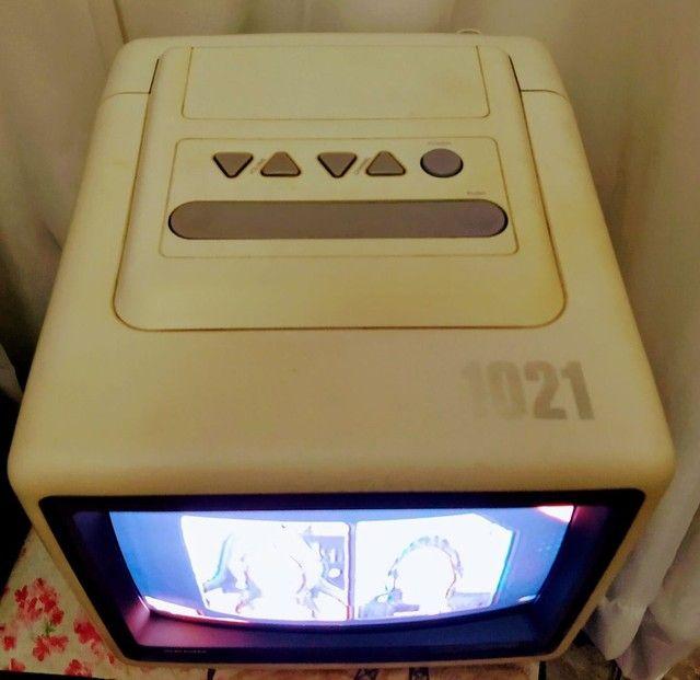 """Tv Semp 10"""" modelo 1021 c/ controle remoto"""