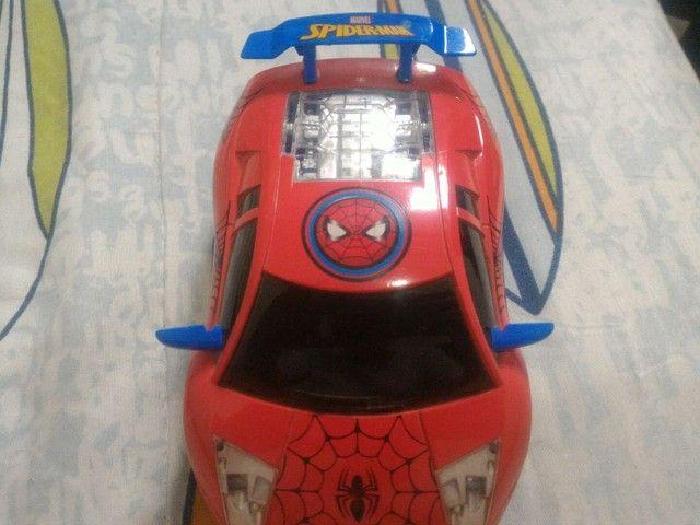 Carrinho de controle remoto homem aranha da hasbro - Foto 3