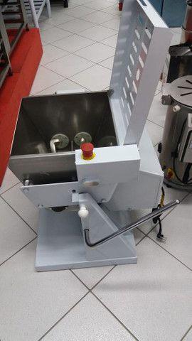 Amassadeira basculante semi rapida Gastromaq 25kg MBI-25 (nova) Alecs - Foto 2