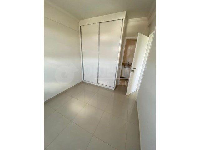 Apartamento para alugar com 3 dormitórios em Carajas, Uberlandia cod:470340 - Foto 14