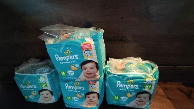 4 pacotes de fraldas Pampers confort sec M70 Promoção - Foto 2