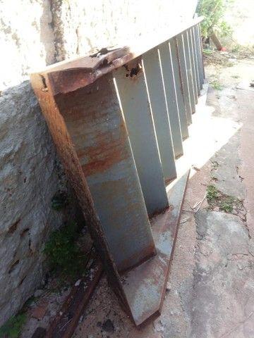 Escada de patamar com pé direito . - Foto 2