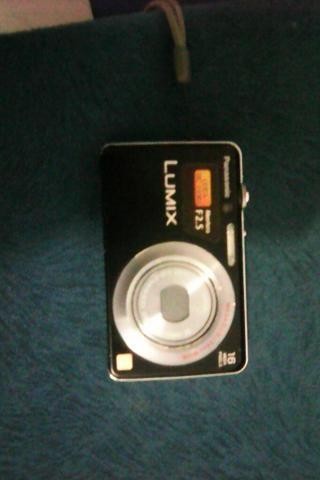 Câmera fotográfica com todos os acessórios