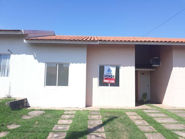 Casa 2/4 Condomínio fechado Aceita financiamento