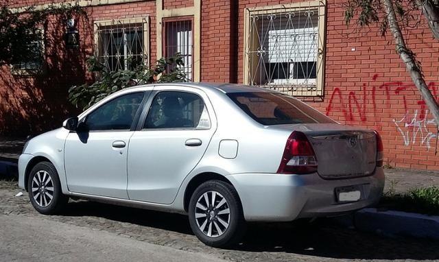 Valor abaixo da FIPE! Toyota Etios Sedan 1.5 2014