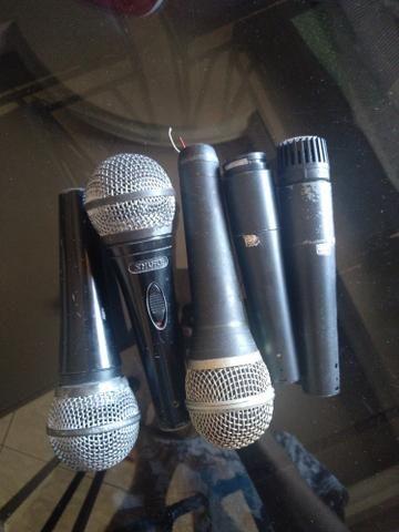 Microfones leves defeitos