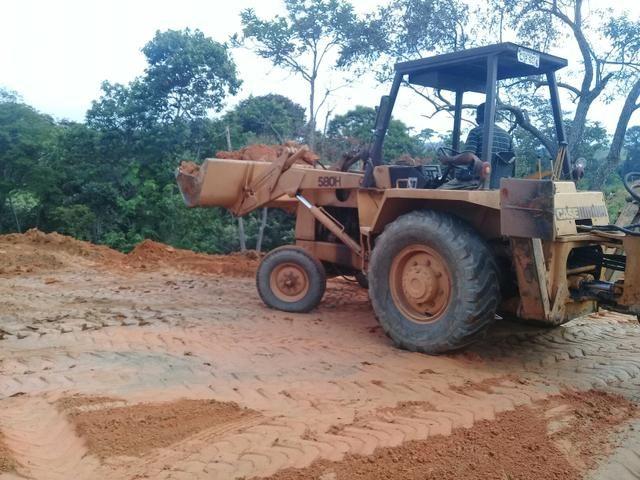 Vende se retrô escavadeira case 580 H 85