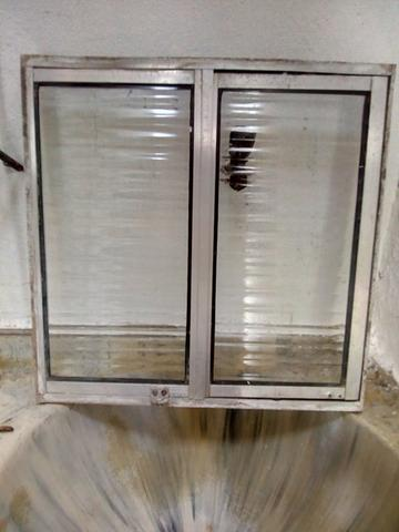 Janela de vidro + Gradeado - Foto 3