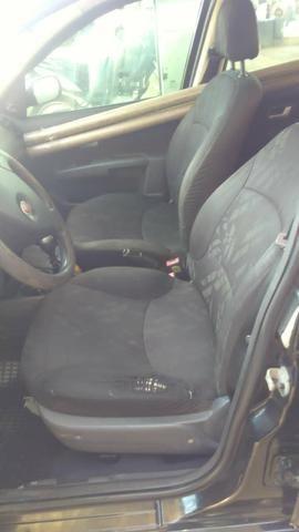 Vendo um Siena 2010 modelo 2011 baixei o preço - Foto 2
