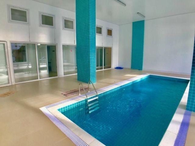 Apartamento dois dormitórios c/ piscina.