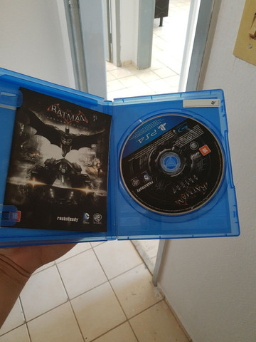 2 jogos de ps4 ( mk xl e Batman Arkham Knight) - Foto 2