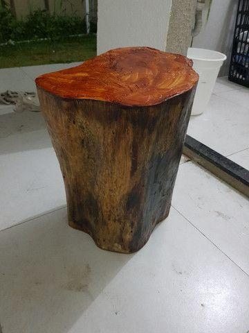 Banco de madeira troco de árvore  - Foto 3