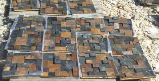 Mosaico de Pedra Ferro Basalto 3D Natural Ferrugiminoso Parede Promoção DoMeuGosto  - Foto 3