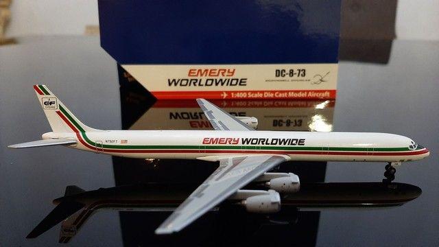 Miniatura avião<br> Emery worldwide <br>escala 1.400 gemini jets - Foto 2