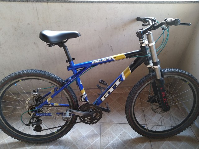 Vendo bike com amortecedor freio a disco
